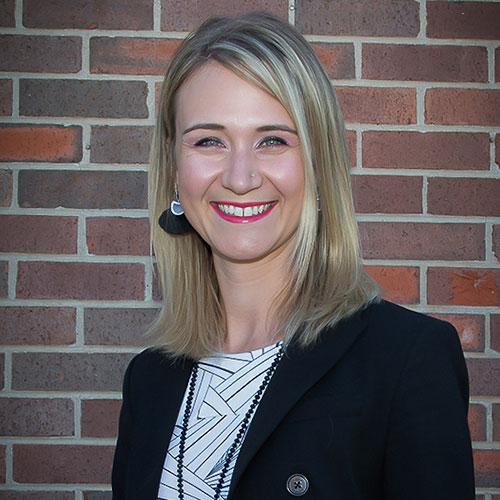 Dr. Emma Lundien